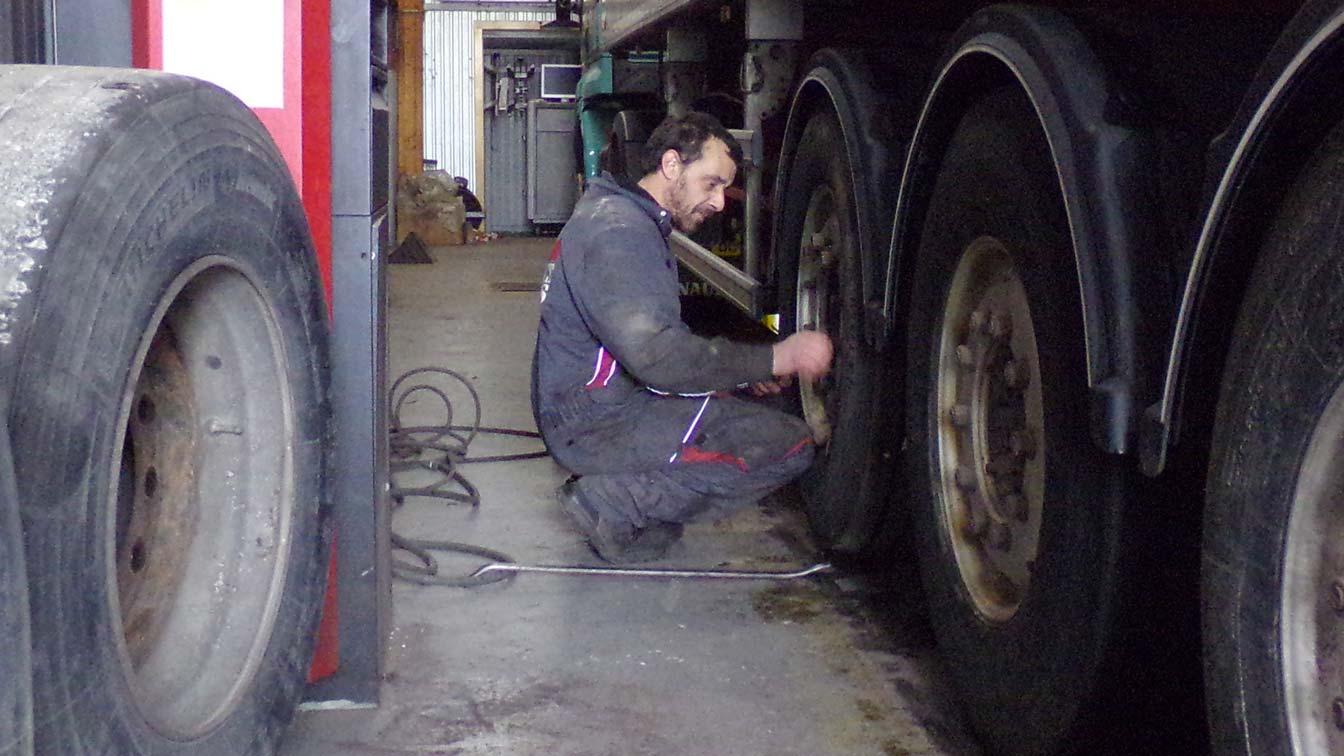 garage poids lourds